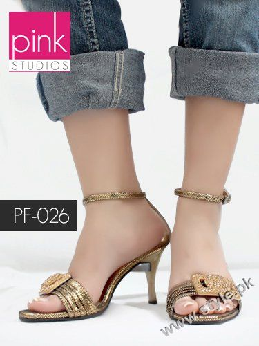 New Designs OF Ladies Sandals at Pink Studios Summer Shoes 2011