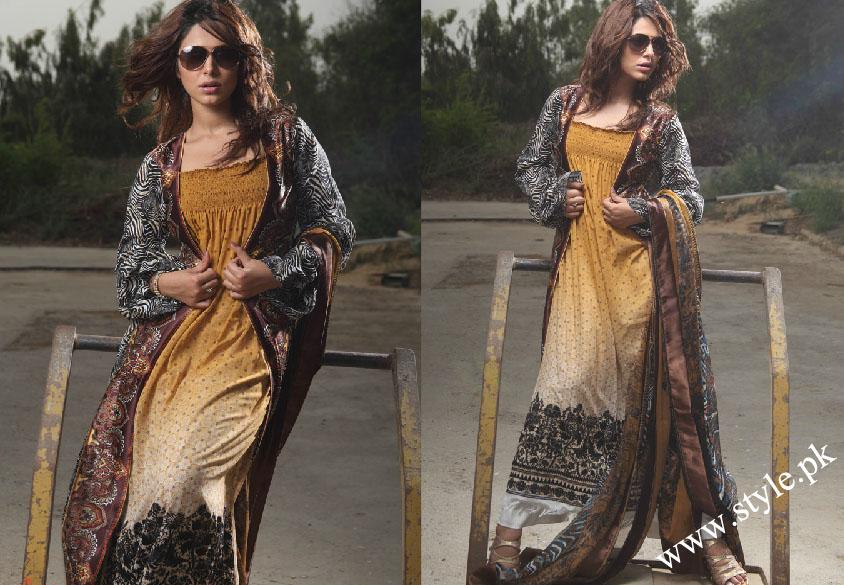 Ayyan ali top pakistani model displaying clothes of Magic voil 2011