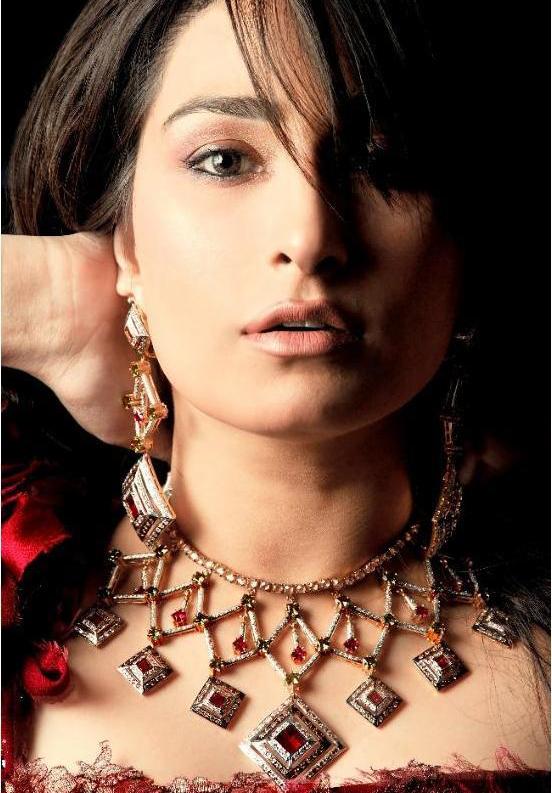 Diamond jewellery by Hanif jewellers