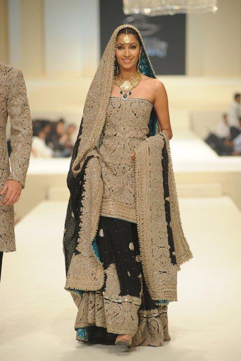 Vaneeza Ahmed wearing umar sayeed bridal dress