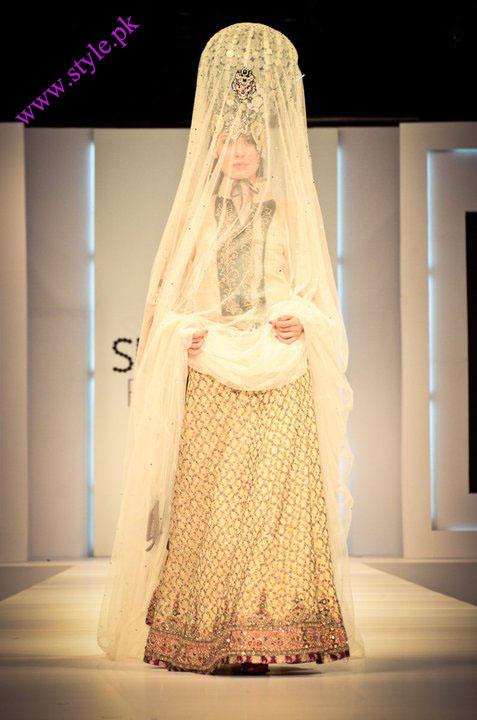 ali xeeshan Pakistan fashion designer