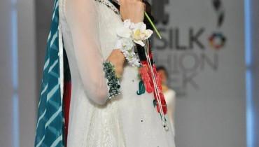 pakistani dress by sarah salman