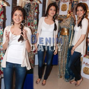 Anushka Sharma Skinny Dark Wash Jeans 11 300x300
