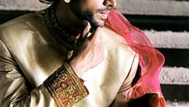 Junaid-Jamshed's-Sherwani-Style-2011-1(style.pk)