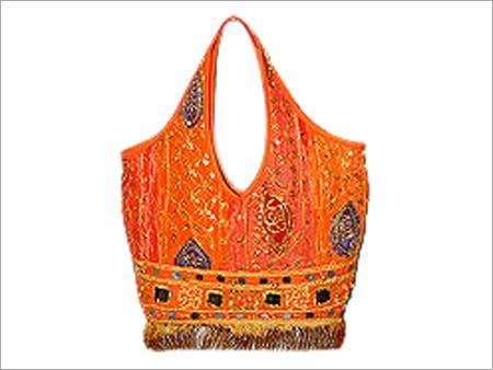 Latest designs of handbags for girls 2011