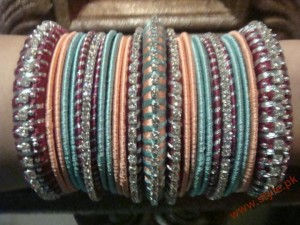 Trend Of Fashioning Bangles 2011 3 style.pk  300x225 Bangles Collection