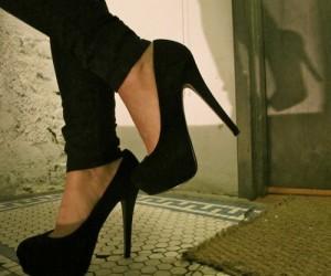 black foot heels jeans legs Favim.com 1120621 300x250