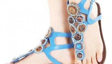 fabouus styled sandals 22