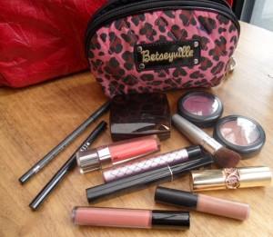 makeupbag 1 300x261