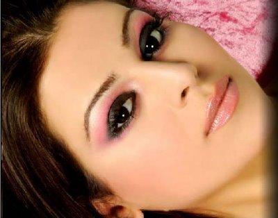 pink makeup 7789