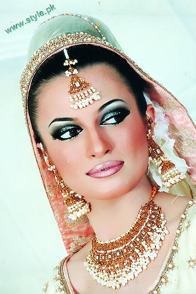 Best Bridal Makeups For Wedding 3 style.pk