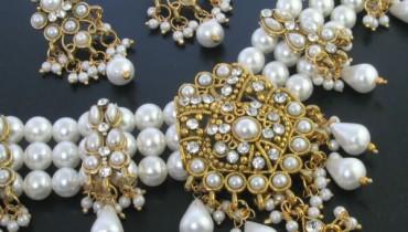 Latest Fashion of Wearing Pearls Jewellery in Pakistan style.pk 001