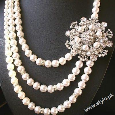 Fashion Designers Pakistan on Latest Fashion Of Wearing Pearls Jewellery In Pakistan Style Pk 004