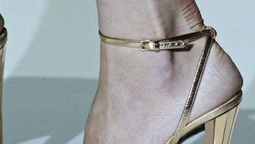 Latest-Foot-Wears-For-Women-By-Gucci-2011-2012-6 style.pk