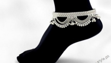Latest Trend of Wearing fashionable Anklets or Payal style.pk 001
