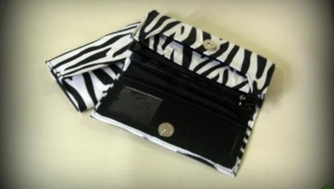 Latest-Zebra-Print-Hand-Bags-By-Ash-Lamour-2011-7 style.pk