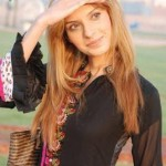 Saeeda-Imtiaz-In-Movie-Kaptaan-2 style.pk