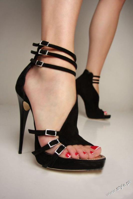 Stunning Strappy Heels Sandal for Girls 2011 2012 style.pk 001