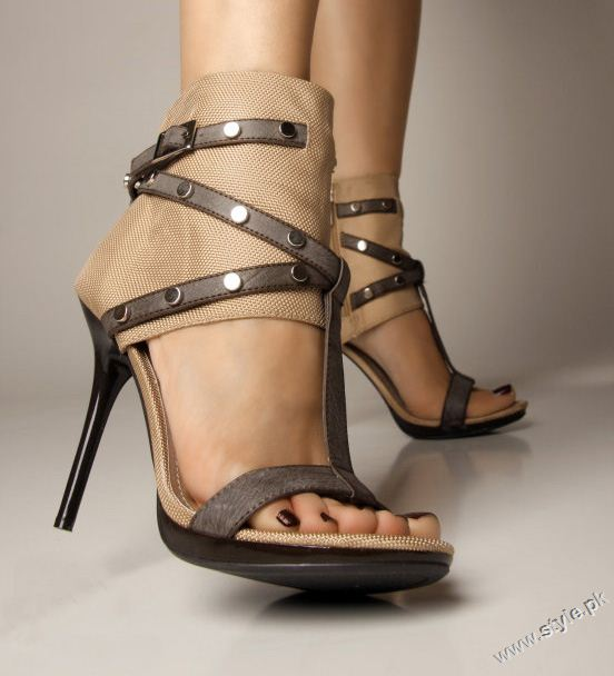Stunning Strappy Heels Sandal for Girls 2011 2012 style.pk 002