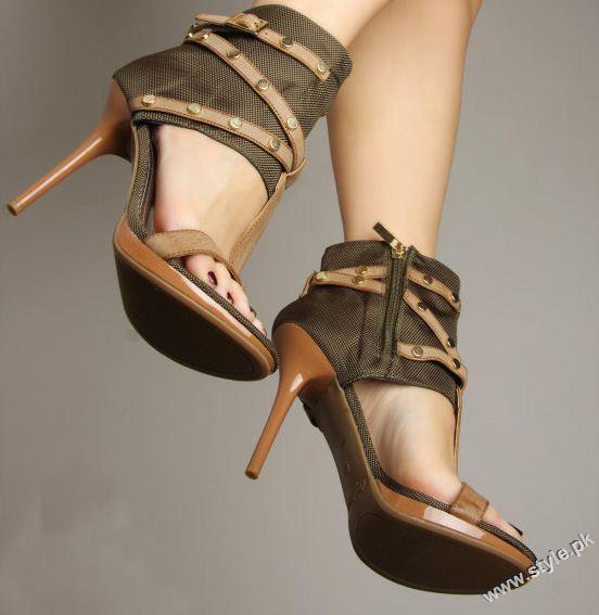 Stunning Strappy Heels Sandal for Girls 2011 2012 style.pk 009