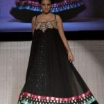 Latest-Bridal-Dresses-By-Waseem-Noor-At-PFW-UK-2011-6 style.pk