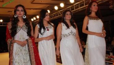 Zainab Mushtaq's Collection at Fashion Week 2011 At Rawalpindi-5