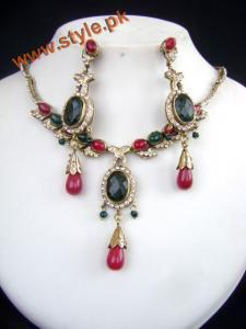 Latest Necklace Sets Collection By Deeya Jewelery 2012 001
