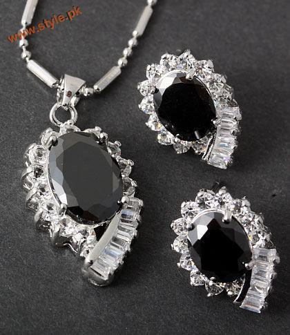 Latest Necklace Sets Collection By Deeya Jewelery 2012 002