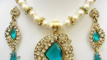 Latest Party Necklace Sets By Deeya Jeweleries & Accessories 2012-005