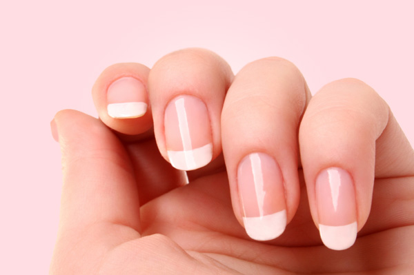 easy-French-manicure-at-home