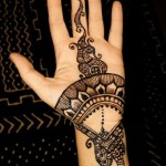 Latest Fashion Mehndi Designs For Women 2012 14