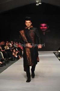 wedding wear for men 2012 by munib nawaz (6)