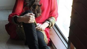 Stunning Ready To Wear By Hejab Zafar For Spring 2012-001