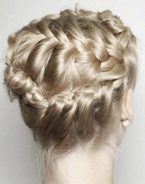 The Braided Bun hair styles_05