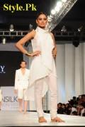 HSY Dresses At PFDC Sunsilk Fashion Week 2012, Day 4-004