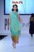 Latest Sania Maskatiya Dresses At Sunsilk Fashion Week 2012-016