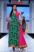 Sania Maskatiya At PFDC Sunsilk Fashion Week 2012, Day 4-005