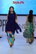 Sania Maskatiya At PFDC Sunsilk Fashion Week 2012, Day 4-006