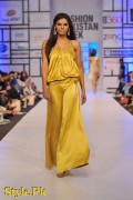 Shehla Chatoor Dresses At Fashion Pakistan Week 2012, Day 2-003