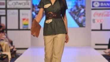 Tayyab Bombal Outfits At Fashion Pakistan Week 2012, Day 2-001