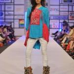 Warda Saleem Showcased At Pakistan Fashion Week 2012, Day 3-005