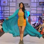 Warda Saleem stunning Outfits For Summer 2012-010