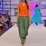 Warda Saleem stunning Outfits For Summer 2012-011