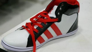 Glitz Footwear Summer Collection 2012 For Men and Women 001