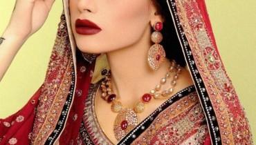 Latest And Stunning Bridal Jewellery 2012 by Nadia Chhotani 001