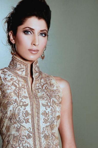 Pakistani model vaneeza wedding