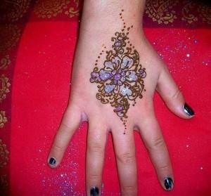 Eid Mehndi Designs 2012 For Kids 002 300x279 mehandi