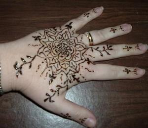 Eid Mehndi Designs 2012 For Kids 005 300x259 mehandi