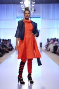 Sanam Chaudhri Collection 2012 At Fashion Pakistan Week, Season 4 0014