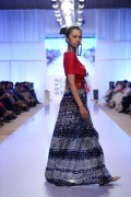 Sanam Chaudhri Collection 2012 At Fashion Pakistan Week, Season 4 008